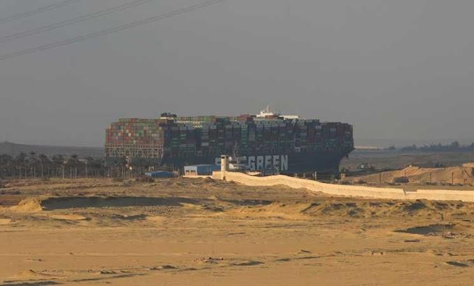 Desencallado el buque 'Ever Given' que bloqueaba desde hace una semana el Canal de Suez.