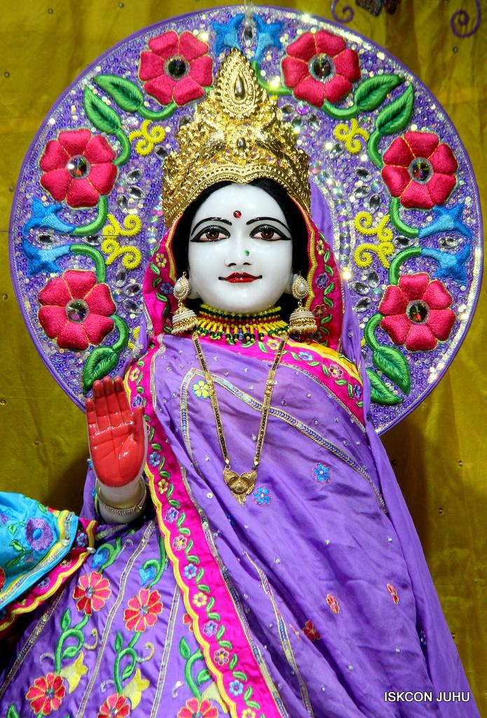 ISKCON Juhu Mangal Deity Darshan on 19th Jan 2017 (8)