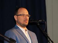 04 Štefan Gregor polgármester köszönti az egybegyűlteket.JPG