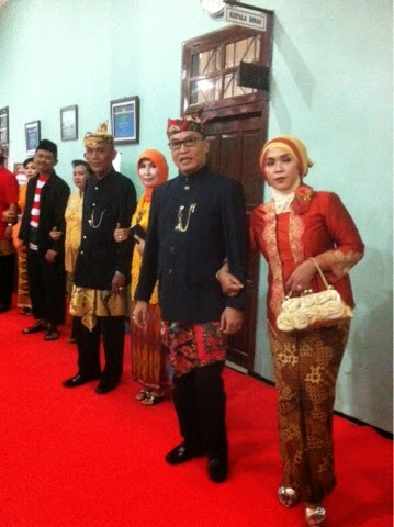 Hari Kartini, Pegawai DPPKA Kompak Berpakaian Adat