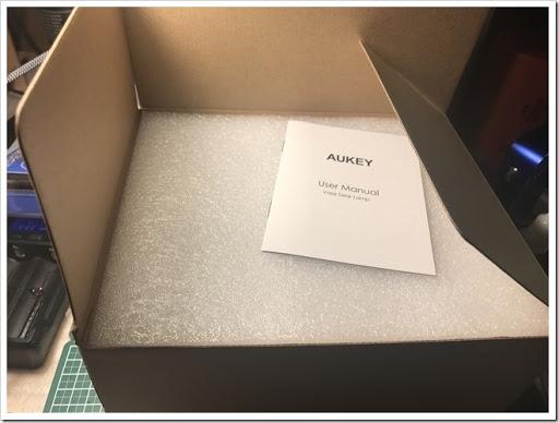 IMG 2581 thumb - 【パリピ向け?】AUKEY LT-ST14 LEDルームライト届いたー!デスクライトって書いてあるけどこれ完全にレッツパーリィィィィィな代物!色の選択肢はeGoAIO並の楽しめる一品だ!【LED】