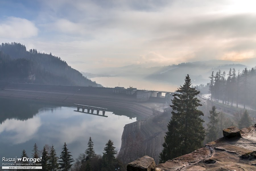 Jezioro i tama z Zamku w Niedzicy