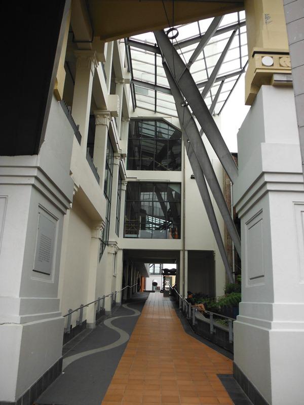 Midblock Gateway