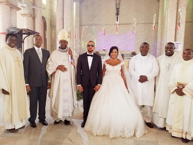 Picture One: Governor Ifeanyi Ugwuanyi of Enugu State (right) with his predecessor, Mr. Sullivan Chime (left); the Catholic Bishop of Enugu Diocese, Most Rev. Callistus Onaga (2nd left); Chime's son, Tochukwu and his wife, Lynn, during their wedding held at Holy Ghost Cathedral, Ogui, Enugu, on Saturday.