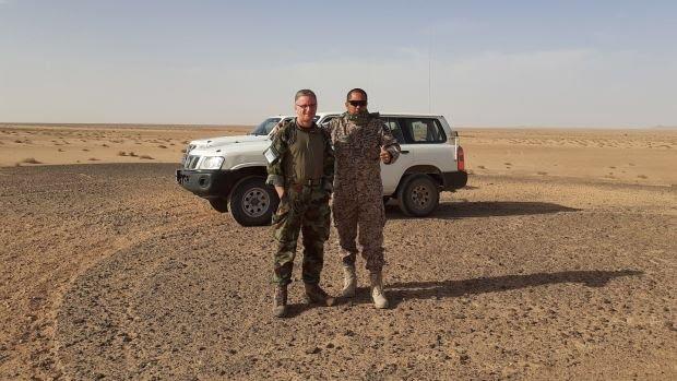 """Los miembros de la MINURSO están pasando hambre al este del """"muro de la vergüenza"""" en el Sáhara Occidental."""