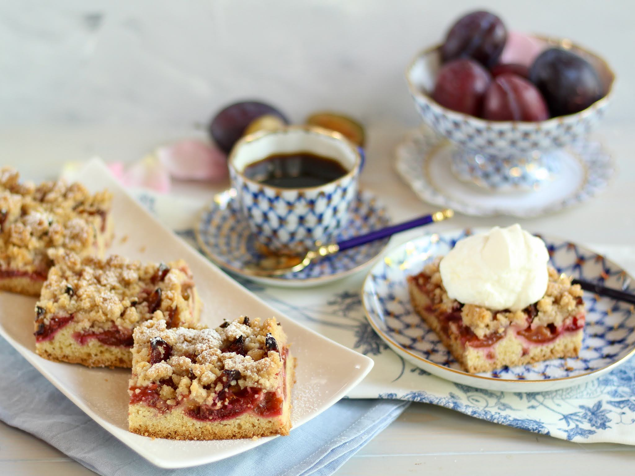 Der beste Zwetschgenkuchen mit Mürbeteig und Zimtstreuseln nach Omas Art! Rezept und Video von Sugarprincess