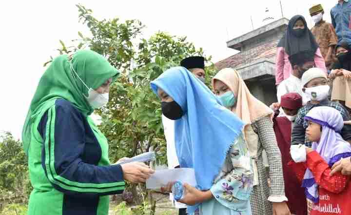 Memperingati HUT ke 21 Tahun : Persatuan Istri Karyawan Bukit Asam (Periska BA) Berikan Santunan Pepada Masyarakat yang Kurang Mampu