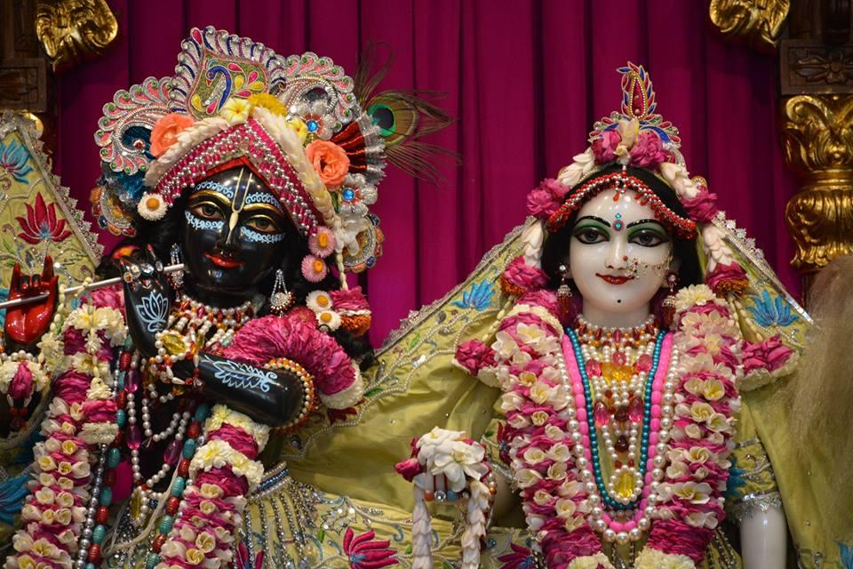 ISKCON Ujjain Deity Darshan 1 April 2016 (1)