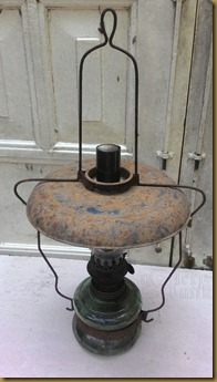 Koleksi lampu minyak tua teplok templok gantung desa