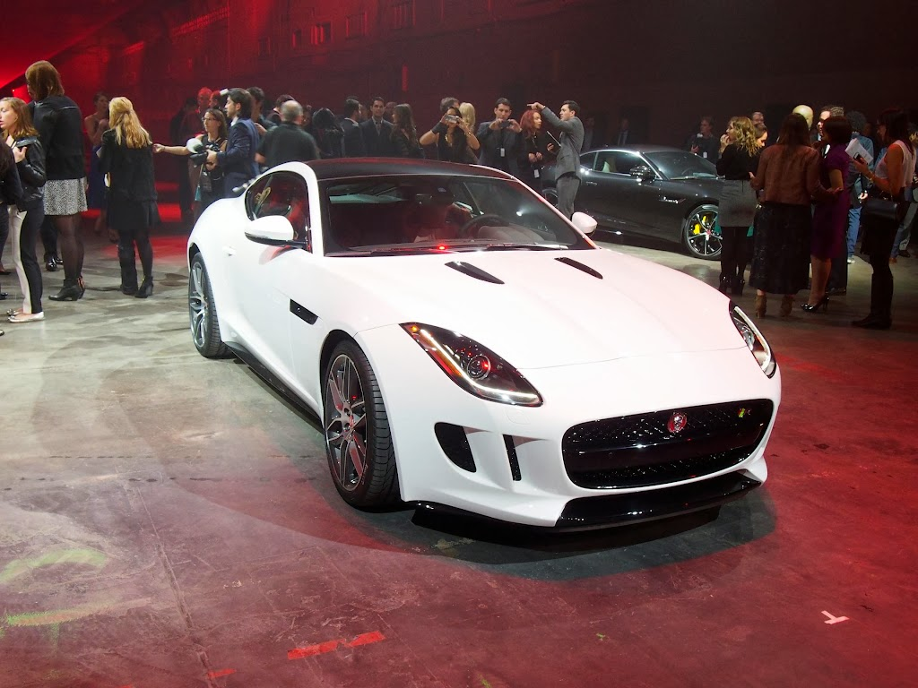 Jaguar F-Type Coupe 4