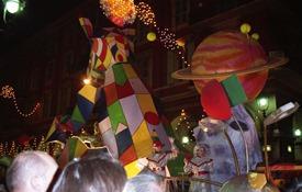 2001.02.24-141.24 défilé aux lumières