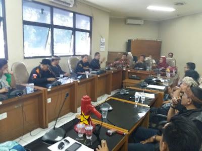 MKB Mendesak Pemkab Karawang Merevisi Perda RT/RW