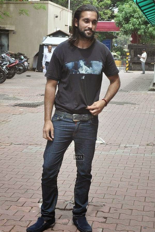 Akhil Kapur during the promotion of upcoming movie Desi Kattey, in Mumbai, on July 14, 2014. (Pic: Viral Bhayani)