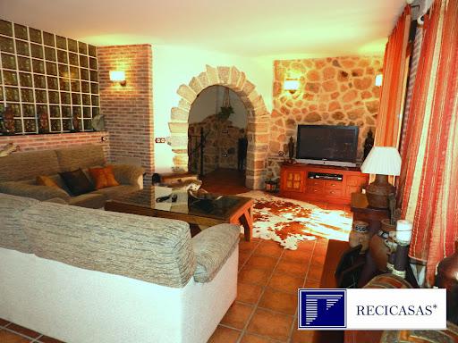 Casa en venta con 450 m2, 4 dormitorios  en Arenas de San Pedro, Casco