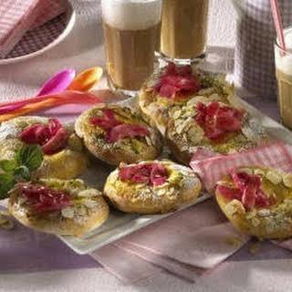 Pistachio Sauce Dessert Recipes.