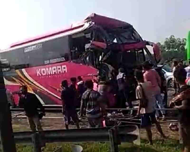 Kejadian Kecelakaan Beruntun, Polres Serang Kota Polda Banten Langsung Olah TKP