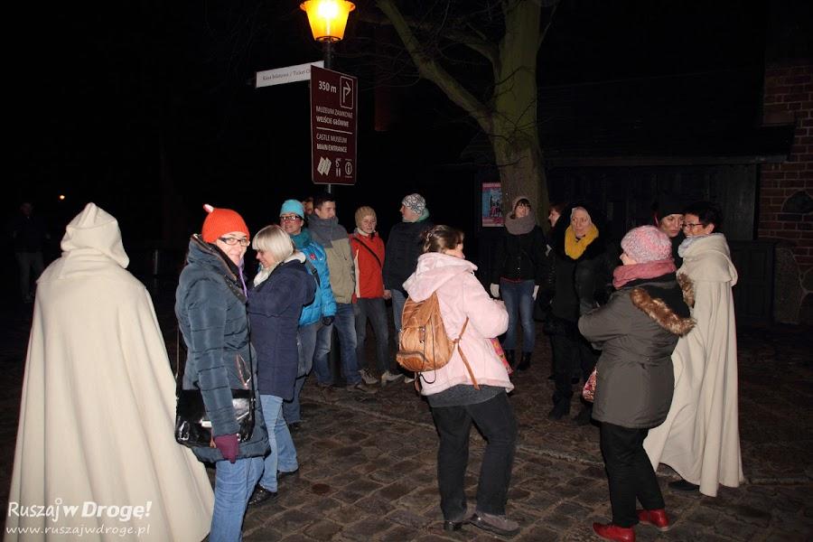 Czekamy na nocne zwiedzanie Zamku w Malborku