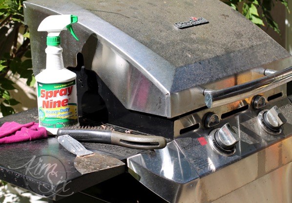 Cleaning dirty grill