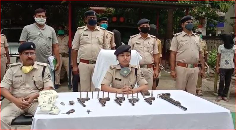 डकैती की योजना बना रहे 13अपराधियों को पुलिस ने किया गिरफ्तार