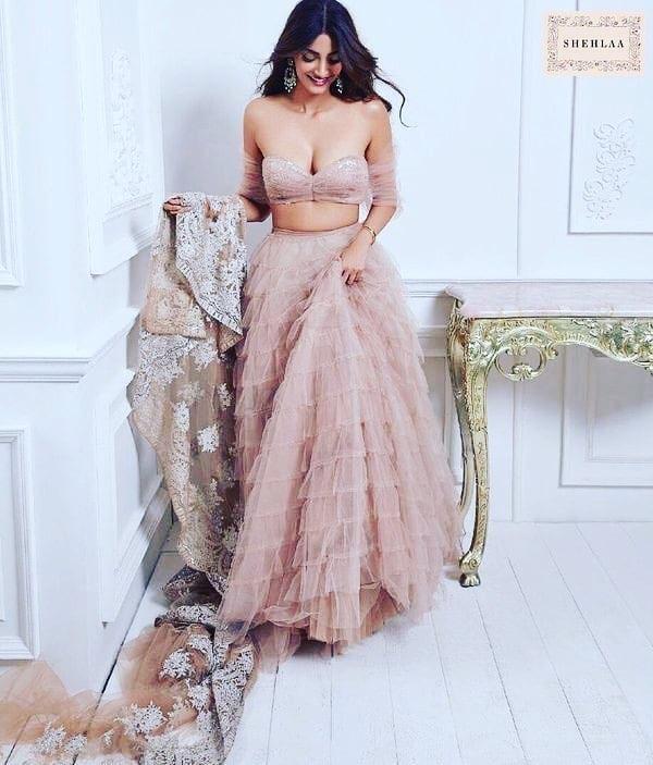Hot Indian bikini actress
