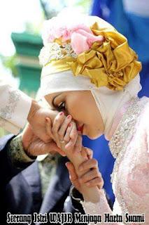 Seorang Istri WAJIB Untuk Menjaga Harta Suaminya