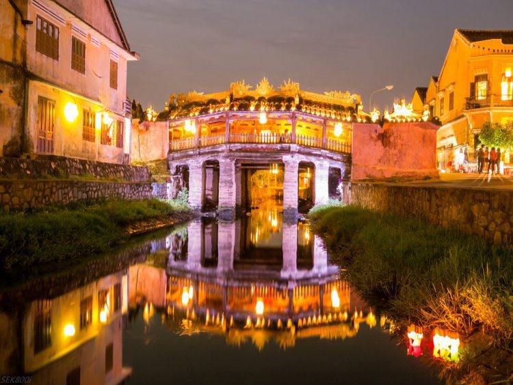Chùa cầu Đà Nẵng đẹp nhất về đêm