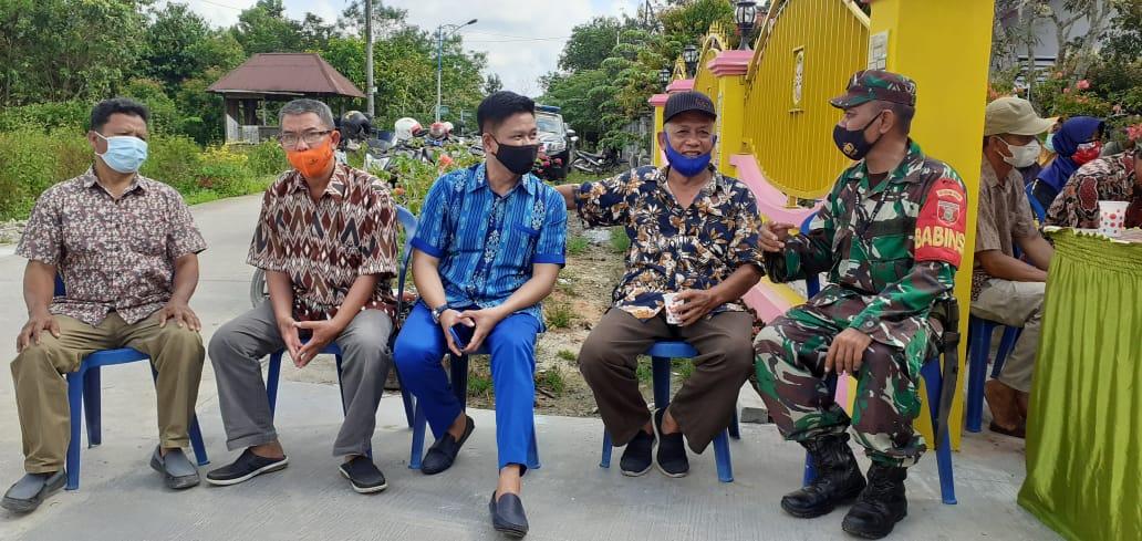 Babinsa Koramil Muara badak Komsos Himbau Warga Binaan Patuhi Prokes