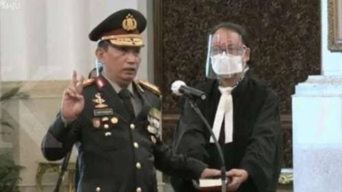 Jokowi Lantik Listyo Sigit Jadi Kapolri, Denny Siregar: Indonesia Sudah Selangkah Lebih Maju, Tidak Terpengaruh Isu Agama...