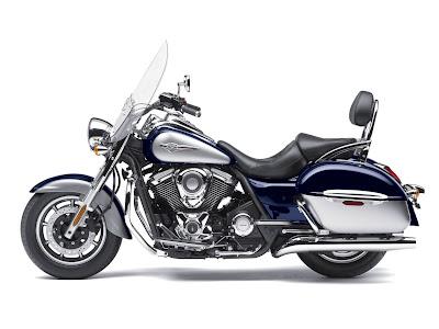 2011-Kawasaki-Vulcan-1700-Nomad-Candy-Neptune-Blue