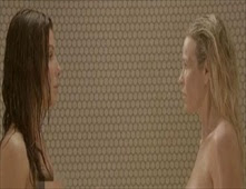 ساندرا بولوك تظهر عارية وتقول: هذا مقرف