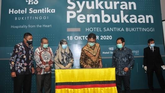 Gubernur Sumbar Resmikan Hotel Santika Bukittinggi, Investor Berterimakasih atas Kemudahan Berinvestasi