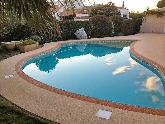 R novation plage de piscine en marbreline par azur r sine for Translate piscine
