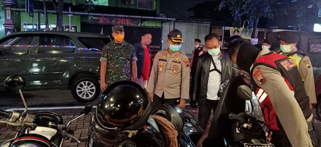 Cegah Penyebaran Covid19 Polres Klaten dan Kodim 0723 Klaten Patroli Gabungan Sasar Tempat Keramaian