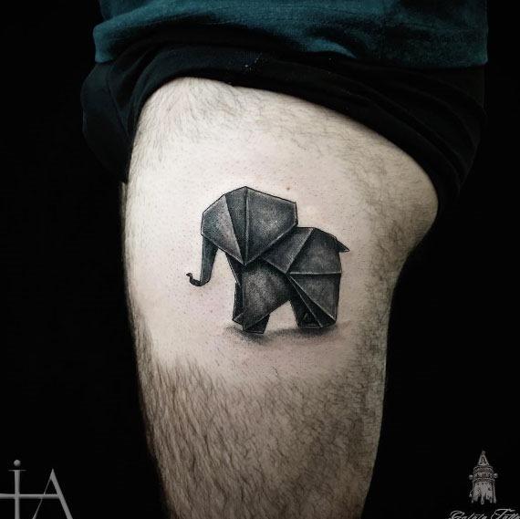Este escuro elefante