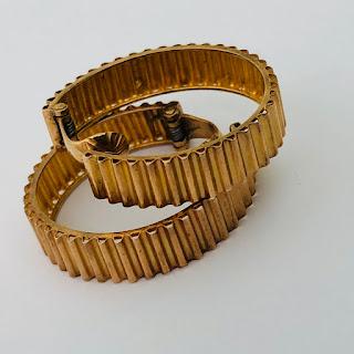 18K Gold Ridged Hoop Earrings