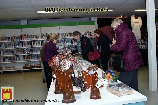 OVO kerstviering bij Jos Tweedehands met stijl en Bieb overloon  12-12-2012 (24).JPG