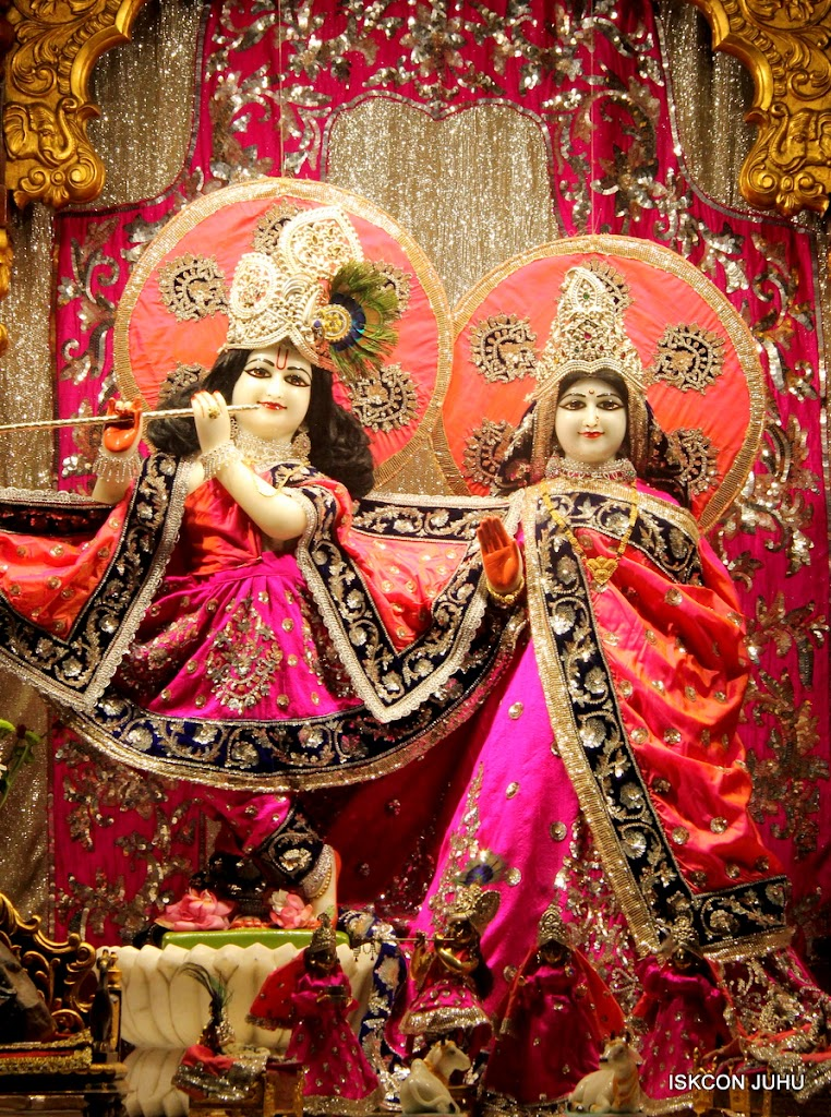 ISKCON Juhu Mangal Deity Darshan on 28th April 2016 (17)