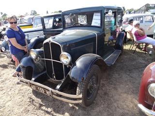2016.08.15-031 Renault Monaquatre 1932