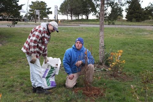 Hammo Fall Planting - Jim Murtagh - BC3G2530.jpg