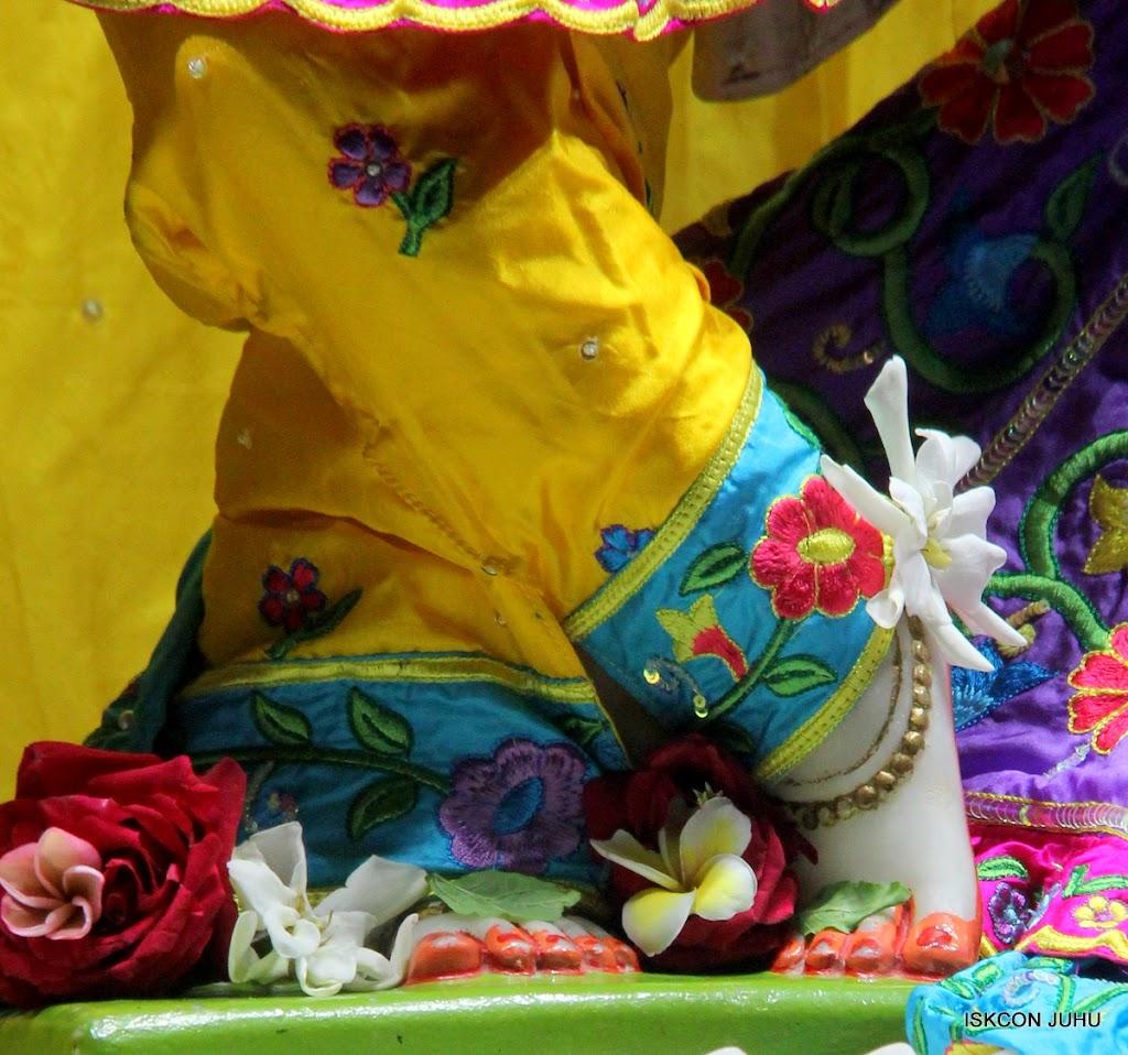 ISKCON Juhu Mangal Deity Darshan on 10th July 2016 (28)