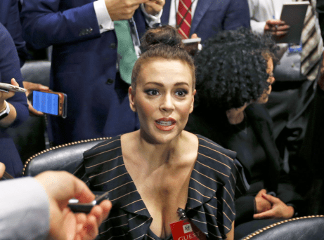 [alyssa-milano-is-supporting-christine-blasey-ford-at-the-kavanaugh-hearings-i-needed-to-be-here-to-show-solidarity%5B4%5D]