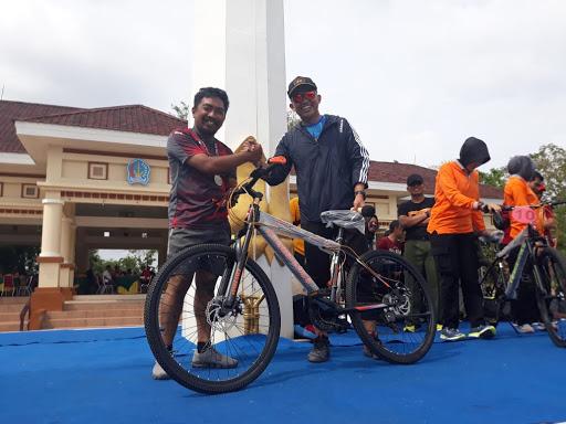 Peringati Hari Sumpah Pemuda dan Wujudkan Pemilu 2019 Bermartabat dan Berbudaya, Polres Bone Gelar Fun Run 5 Km