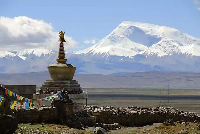 buddhism-stupa-chorten-darchen-pilgrimage