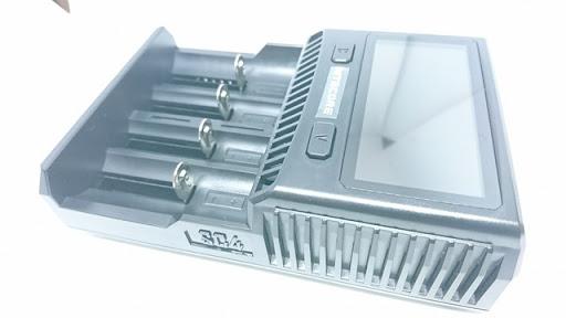 DSC 6530 thumb%255B2%255D - 【バッテリー/充電器】「NITECORE Superb Charger SC4」(ナイトコア・スーパービーチャージャー・エスシーフォー)レビュー。3A*2で最大6A給電可能な最強充電器!【VAPE/電子タバコ/アクセサリ】