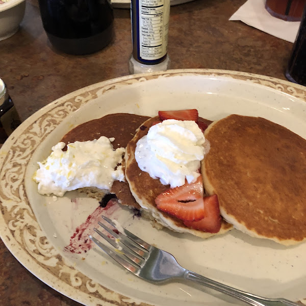 Best gluten free pancakes besides my own.   Staff was knowledgeable and super courteous.   Looking for one closer to my hometown to visit.