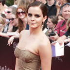 emma-watson-short-straight-brunette.jpg