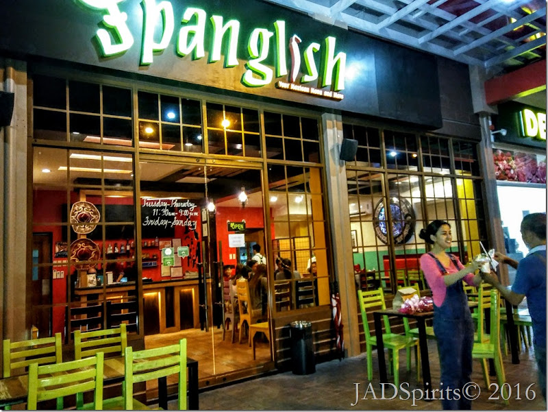 The entrance of the Spanglish Restaurant is a welcome site