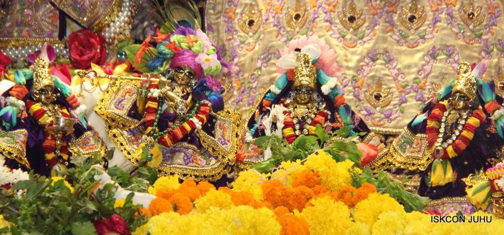 ISKCON Juhu Sringar Deity Darshan 19 Dec 2015 (13)