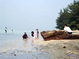 family trip pulau pari 090716 Fuji 172