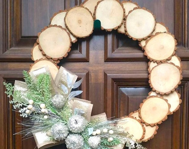wood-slice-wreath1-570x450